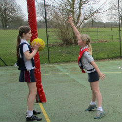 U11 host a Netball Tournament at Hatherop Castle